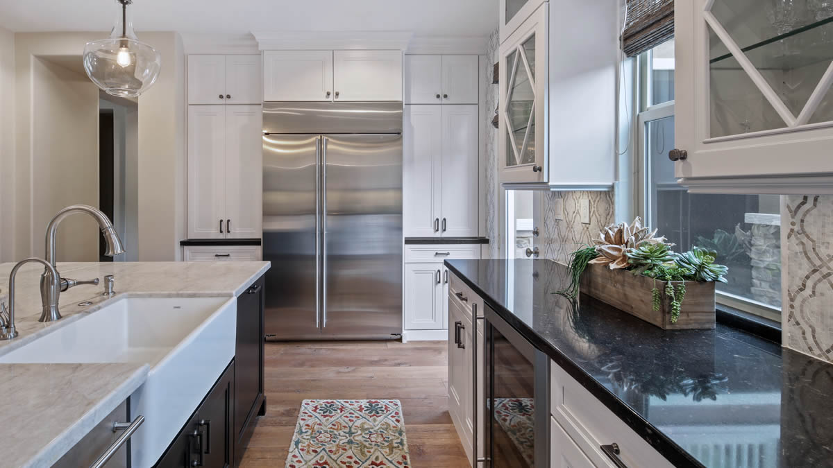 Small kitchen remodeling in Lake Forest, Ca