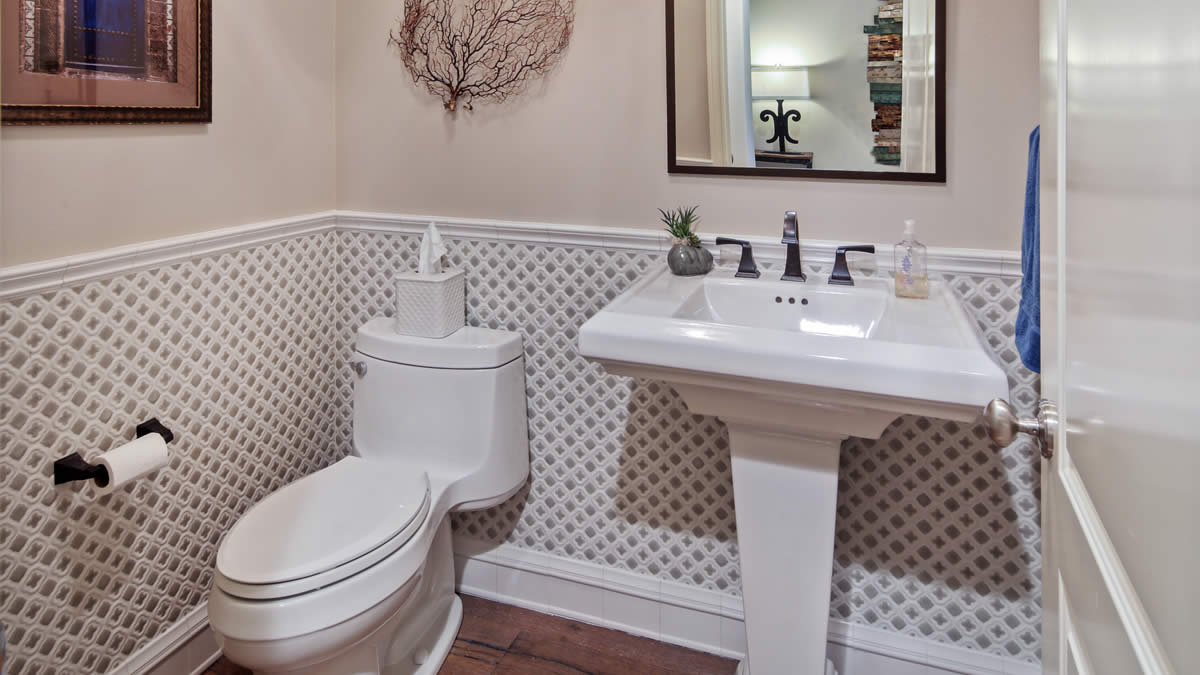 Small bath remodeling in lake forest ca